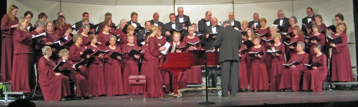 picture of the chorale on stage from 2011